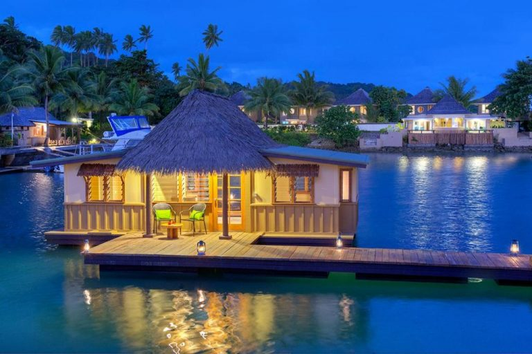 overwater bungalows 768x512